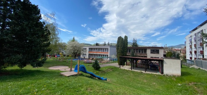 Pohled ze zahrady Mateřské školy Komenského Vrchlabí